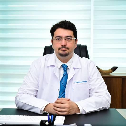 El cerrahisi Op. Dr. Özgün Barış Güntürk