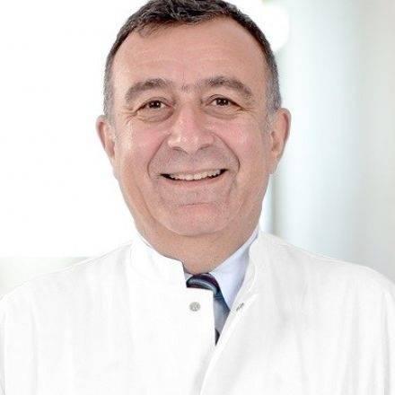 El cerrahisi Prof. Dr. Halil İbrahim Bekler
